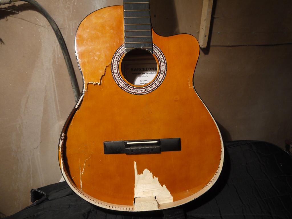 Ремонт эл гитары своими руками 39